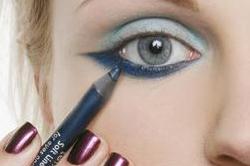 Нанесение стрелок синим карандашом