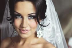 Макияж в темных тонах для невесты