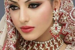 Макияж губ в индийском стиле