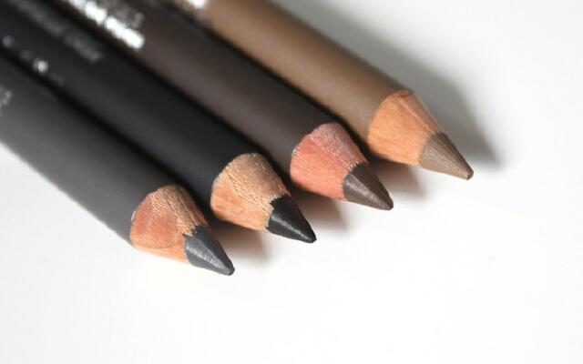 Как правильно подобрать карандаш для бровей по цвету?