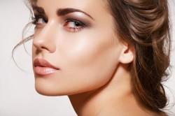 Повседневный макияж для глаз с нависшим веком