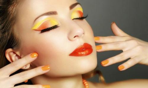 Яркий летний макияж