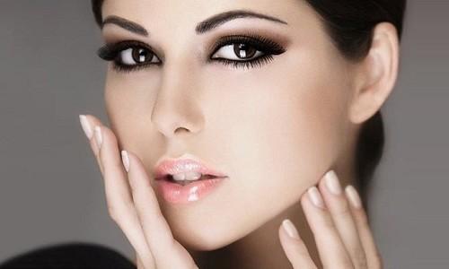 Красивый макияж бровей