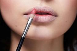 Использование консилера в качестве основы макияжа для губ