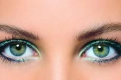 Подводка глаз бирюзовым цветом