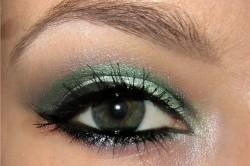 Рисунок 3. Зеленые тени и высокие стрелки