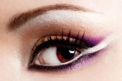Акцент на глаза - отличительная особенность арабского макияжа