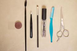 Инструменты для ухода за бровями
