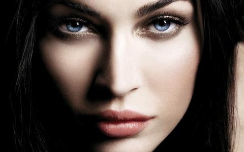 Особенности темного макияжа для глаз