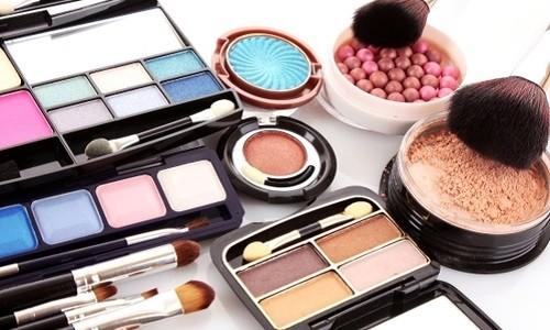 Профессиональная декоративная косметика - секрет неземной красоты