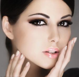Дневной макияж для брюнеток