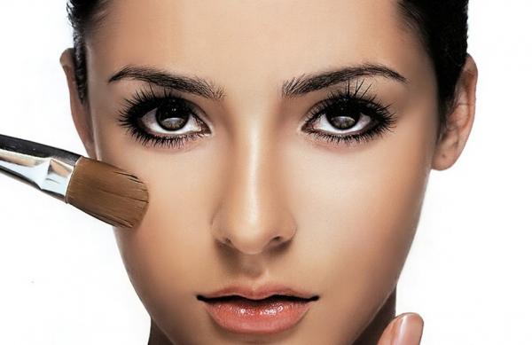 Техника макияжа глаз для брюнеток