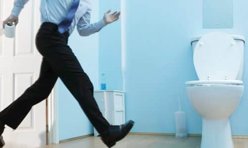 Учащенное мочеиспускание у мужчин способно возникать из-за инфицирования уретры, мочевого пузыря, воспаления простаты